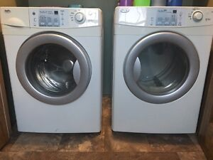 INGLIS Front Load Washer and Dryer Combo