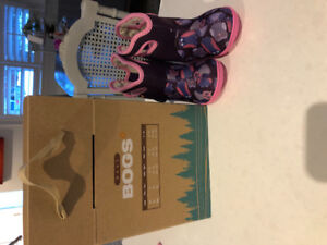 Brand new toddler boots (bogs)