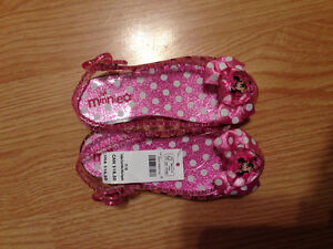 Brand new: 7/8 Minnie shoes