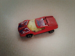 VINTAGE RED DATSUN 126X / Green generic diecast car
