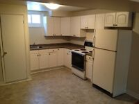2 BDRM lower unit located in Barrie- Utilities included