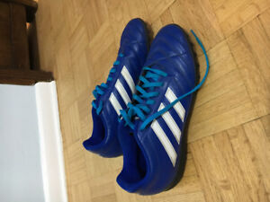 Indoor soccer shoes size 8