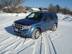 2009 FORD ESCAPE XLT 2X4 4DR $3995 PLUS THE HST