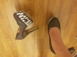 Size 8-8.5 womens lightly used heels