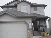 Beautiful 2 Storey Home in Airdrie