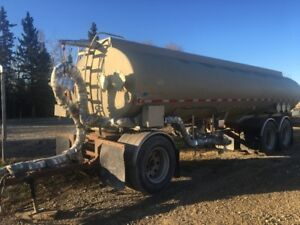 Tanker trailer for sale with aluminum tank