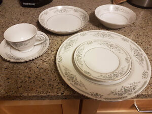Setting of 8 Fine China with Silver Inlay