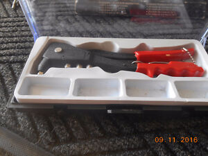 2 hand riveter kits and a case of pot rivets Kitchener / Waterloo Kitchener Area image 2