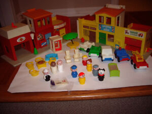FISHER PRICE VILLAGE VINTAGE