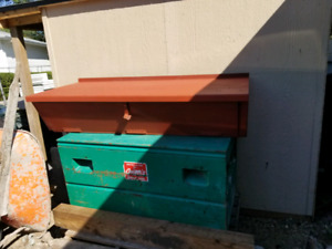 Tool box and a work bench 5x2