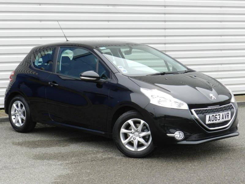 peugeot 208 active 1 2 vti 3dr 2013 petrol manual black in saxmundham suffolk gumtree. Black Bedroom Furniture Sets. Home Design Ideas
