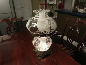 ANTIQUE VICTORIAN Gone with the wind 3-WAY HURRICANE LAMP Floral Kitchener / Waterloo Kitchener Area image 1
