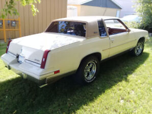 1985 Oldsmobile Cutlass Supreme -Street Machine