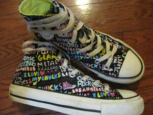 Converse ladies size 6 youth size 4 unisex shoes
