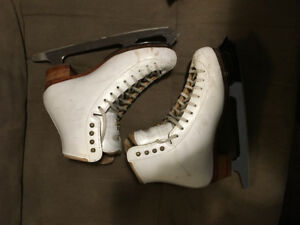 Figure Skates - Ladies size 5.5