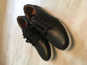 NEW Mens size 9 Black leather like MARKS WORK WAREHOUSE shoes