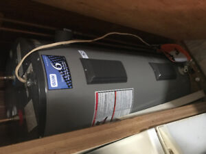 Electric hot water tank