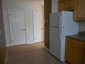Available now, 2 bed all utilities incl $750 *new management*