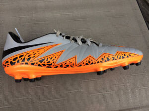 Nike Hypervenom Cleat Size 10