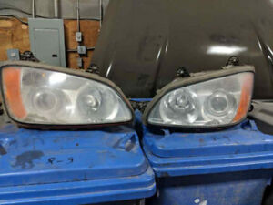 HEADLIGHTS PHARE KENWORTH T660, T700 BI-XENON PROJECTOR - 300$.