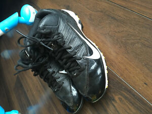 Like new youth Nike football cleats 3.5