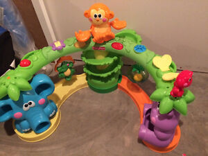 Sit and stand musical  jungle set