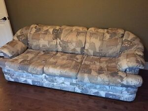 Comfy cheap couch need gone this weekend