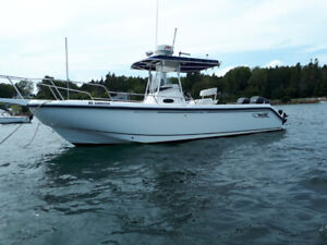 2001 Boston Whaler Outrage 26 center console
