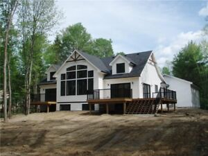 Intown Luxury & Convenience with Cottage Country Ambiance
