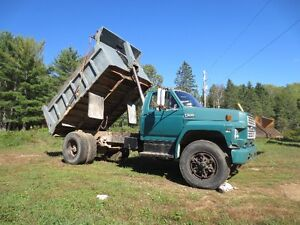 1987 Ford F800 Dump Truck- REDUCED