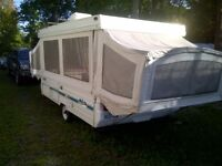 Belair tente-roulotte/ tent trailer pop-up 1997