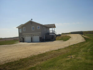 **URGENT** - NEWER (2010) ACREAGE & VIEW-23 MI. N.W. ST. ALBERT