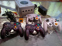 Nintendo Gamecube (Silver/Argent) + 4 Manettes/Controllers