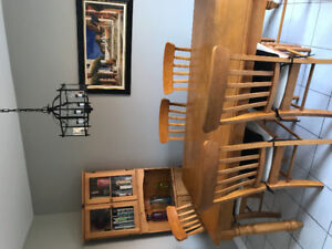 Breakfast table with 6 chairs and matching corner hutch