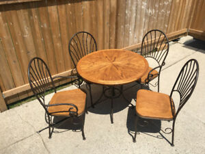 5 Piece Dinette Set - Great Condiition
