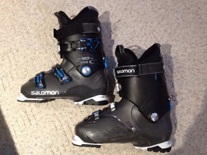 SALOMON Quest Access 80 Ski Boots, MENS Size 29, 1 Year Old