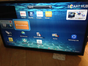 """32"""" Samsung Smart TV with New Swivel Wall Mount"""