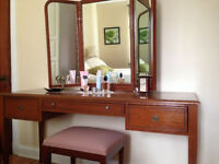 Walnut Makeup & Jewelry Vanity Set Table & Bench Tri mirror fold