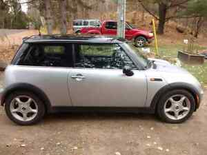 02 mini cooper launch edition!Will trade 4 smart car convertible Peterborough Peterborough Area image 3