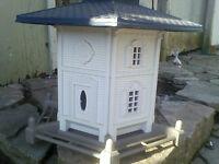 "Lg. ""Victorian House"" Bird Feeder (new - still has tag on it)"