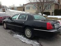 2003 Lincoln Town Car executive Berline