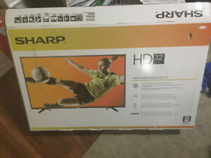 "broken high definition 32"" sharp led tv for parts"