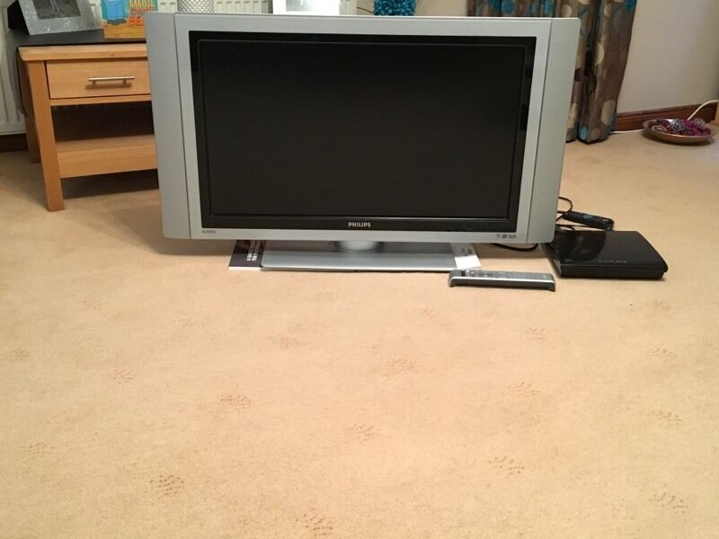 """Philips 32"""" LCD Televisionin Peterhead, AberdeenshireGumtree - Philips 32"""" LCD television, Model number 32PF7521D. TV is in good condition and in good working order. Comes complete with remote control. Also will provide View DVD player. Comes from a smoke free household"""