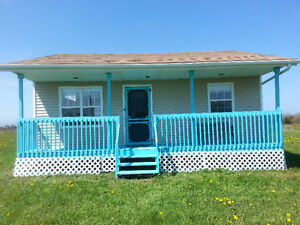Cottage for sale - 5 minute walk to Beach!