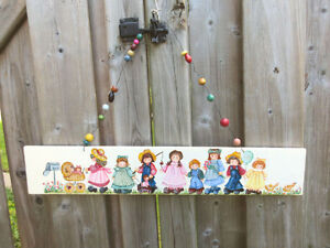 Hand Painted Wood Sign - GRAMA'S HOUSE - Parade of Children