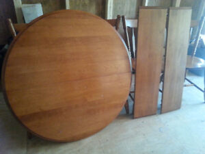 MAPLE HARDWOOD TABLE SET FREE DELIVERY