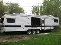 40 FT FIFTH WHEEL reduced from 7500 to 5500..00 for quick sale