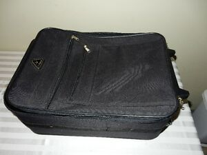 Carry-on suitcase (Black) Windsor Region Ontario image 1