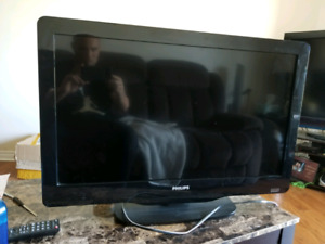 "32"" Philip's LCD tv for sale"