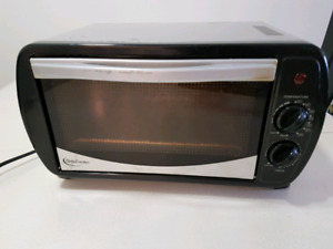 Four grille-pain Betty Crocker / Oven toaster